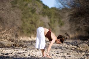 Yoga_HalfStandingForwardFold_01_300x350v1